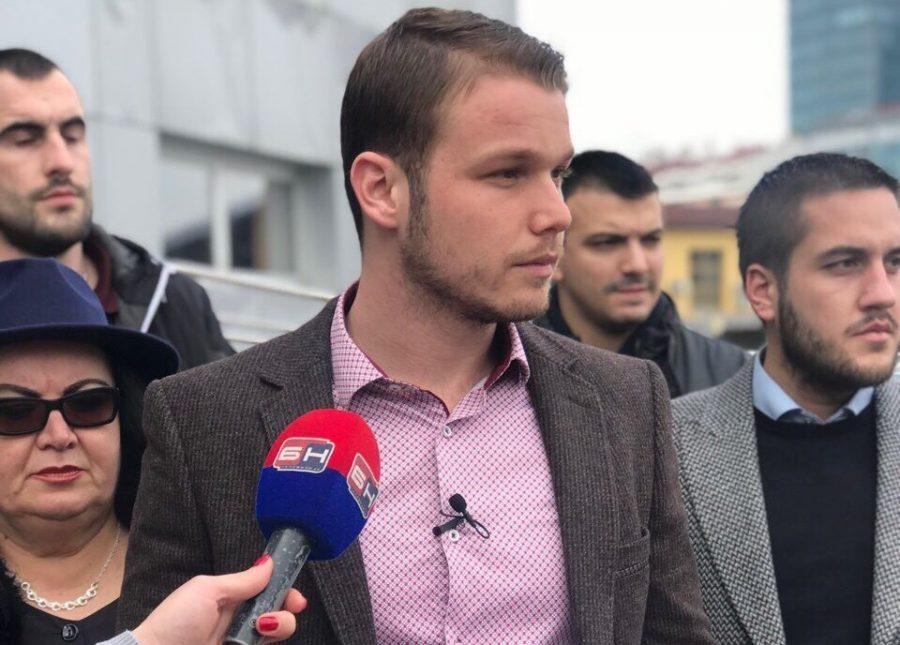 """""""JA ĆU POMOĆI SADA, NADLEŽNI NEKA NASTAVE"""" Stanivuković martovsku naknadu daje porodicama za DODATNE PELENE"""