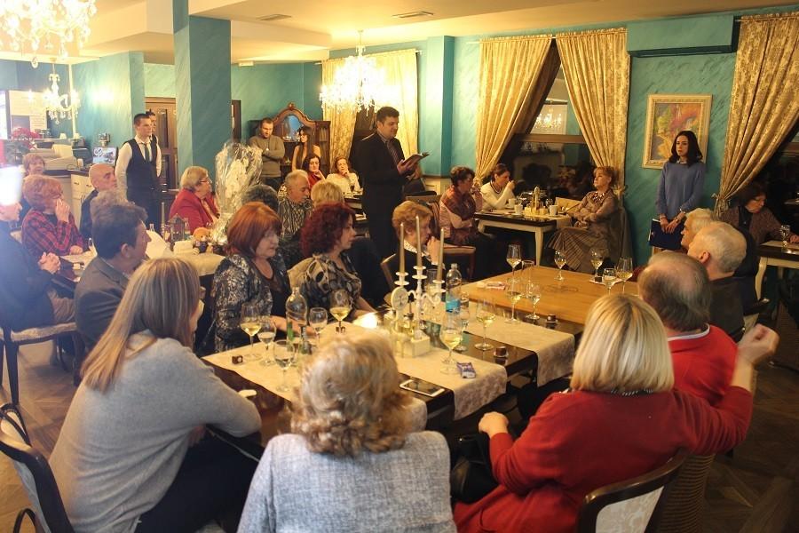 STRAH OD KORONE NE PROLAZI Većina Italijana i dalje izbjegava restorane i obroke van kuće