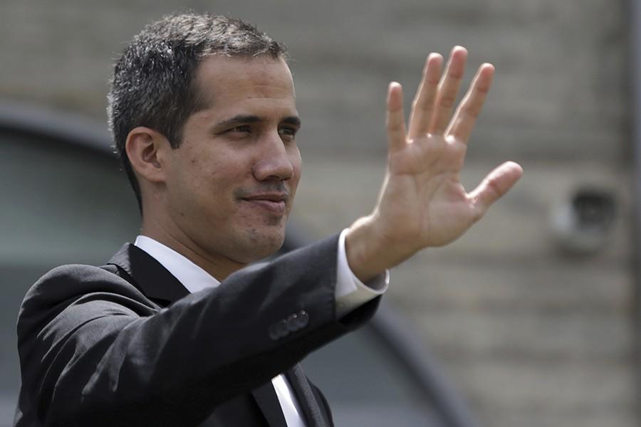 NA PRAGU DIPLOMATSKE KRIZE? Pristalice Gvaida ušle u ambasadu Venecuele u Brazilu
