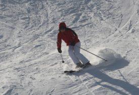 TRAGEDIJA U SLOVENIJI Poginuo skijaš na planini Storžič