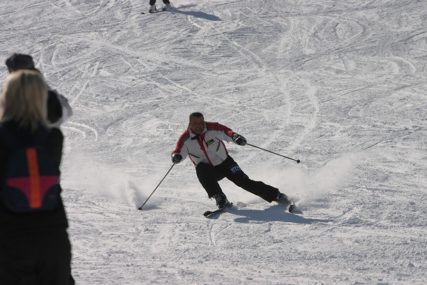 """TREBALI BITI U KARANTINU Stotine gostiju """"nestalo"""" iz ski centra"""