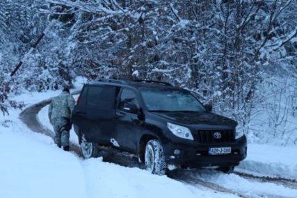 POLICIJA BLOKIRALA MJESTO OKRŠAJA Ubica Edin Gačić ubijen je na OVOJ LOKACIJI, skrivao se u zemunicama (FOTO)