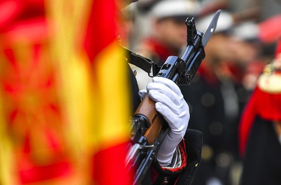 ISTORIJSKI DANI Zavijorila se zastava NATO u Skoplju, za nedjelju dana NOVO IME