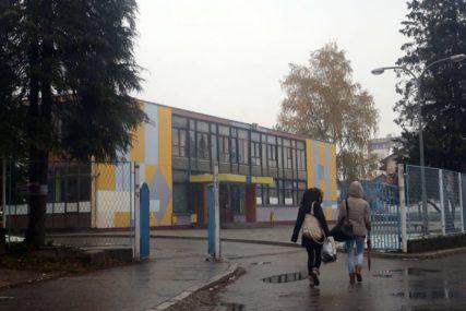ENERGETSKO UTOPLJAVANJE I ZAMJENA STOLARIJE Obnova deset banjalučkih škola tokom raspusta