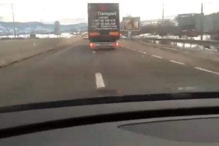 LUDA VOŽNJA Kamione na putu Laktaši - Banjaluka vozili 140 kilometara na čas