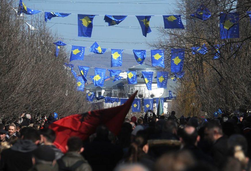 """PLANIRAJU""""OLUJU"""" NA SJEVERU KOSOVA """"Gotovina i ostali pripadnici hrvatske vojske obučavaju Albance"""""""
