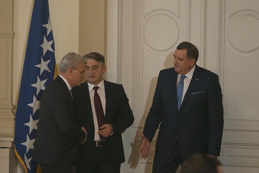 Iz Dodikovig kabineta poručili da Predsjedništvo ne organizuje obilježavanje u Srebrenici