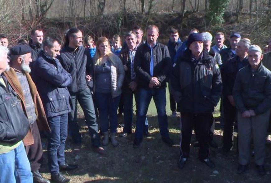 PROTEST ZBOG GRADNJE HIDROELEKTRANE Građani naselja kod Zvornika protiv preusmjeravanje rijeke Drinjače