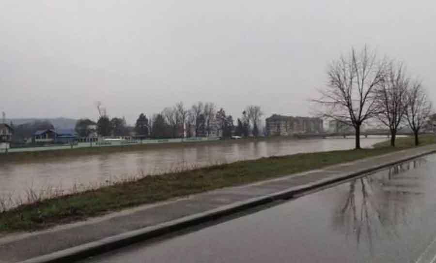 USLJED POPLAVA Obustavljen saobraćaj zbog oštećenja mosta na Ukrini