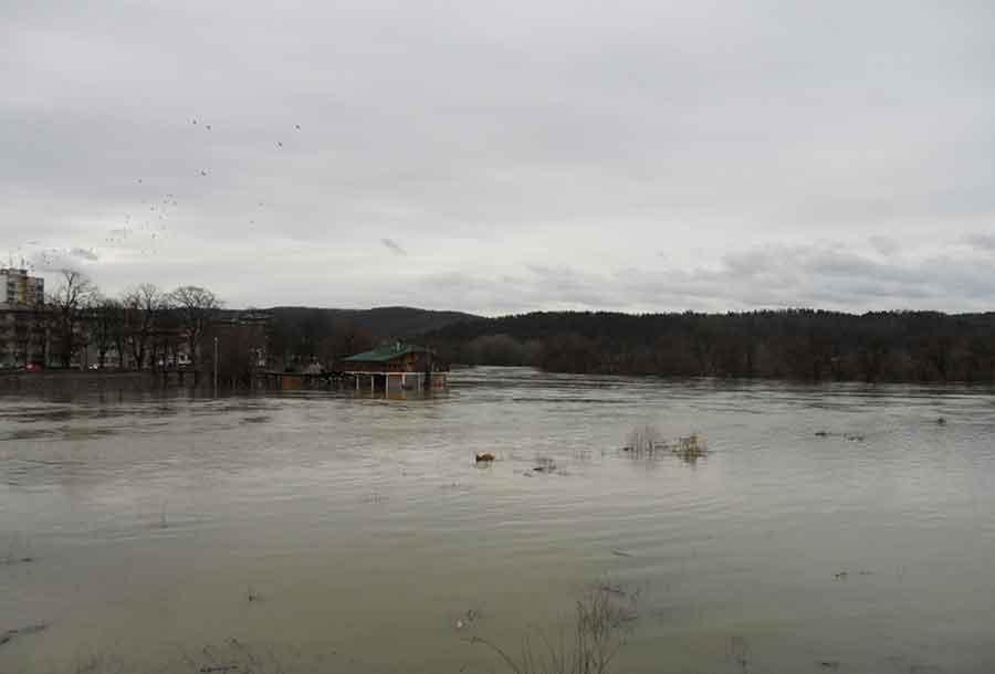 Novi Grad: Vodostaji Sane i Une u opadanju za više od pola metra