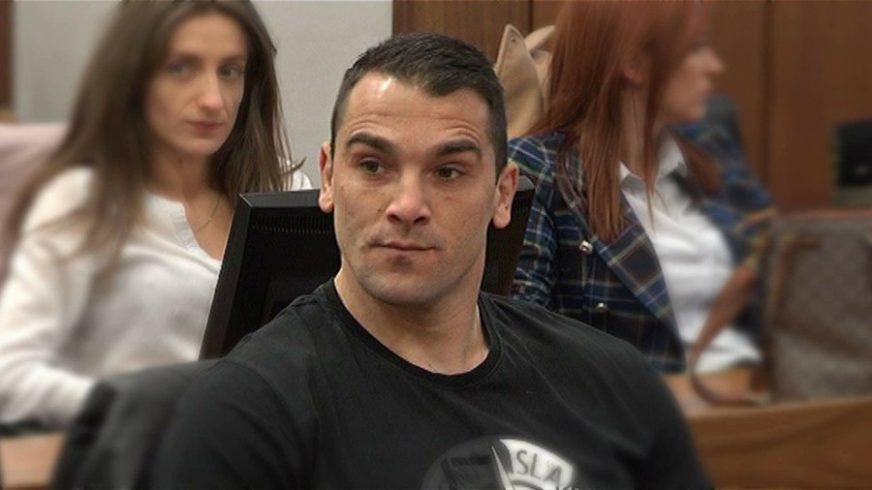 BRUTALNO PRETUKAO NOVINARA VLADIMIRA KOVAČEVIĆA Marko Čolić osuđen na četiri godine ROBIJE