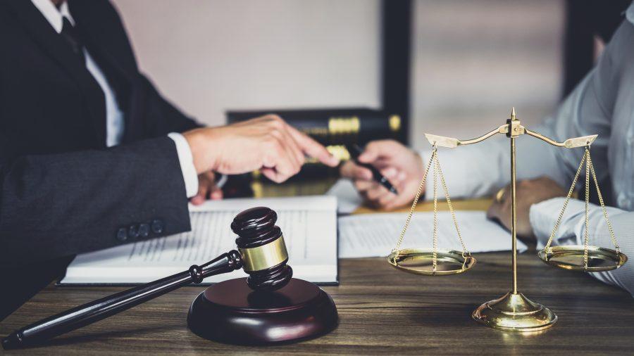 PIJU I SKIDAJU SE NA RADNOM MJESTU Zbog čega su sve KAŽNJAVANI sudije, tužioci i njihovi saradnici