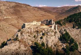 MAGIČNI PRIZORI Prekrasna tvrđava Stjepan-grada kod Blagaja (VIDEO)