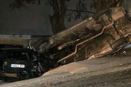 SAOBRAĆAJKA U SARAJEVU Automobil se prevrnuo nakon sudara, jedna osoba povrijeđena