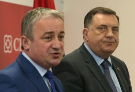 """""""TRGOVSKA GORA VAŽNIJA OD POLOŽAJA HRVATA U BIH"""" Borenović o Dodikovoj posjeti Zagrebu"""