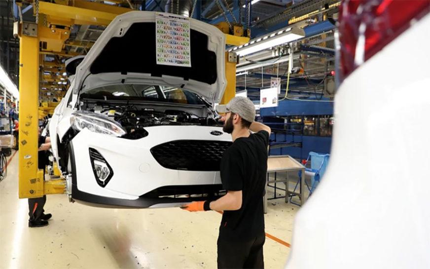 """Direktor """"Forda"""" dobio povišicu od MILION DOLARA, a 5.000 radnika otkaze"""