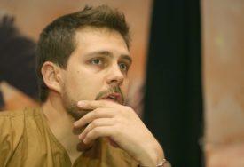 SLIKA KOJA JE ZAPANJILA INTERNET Biković je strah i trepet u Nagorno-Karabahu, a sada mu je neko to i javio
