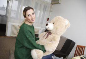 """""""BORAC MOJ MALI"""" Pjevačica prolazi kroz teške trenutke, četiri mjeseca nije vidjela sina zbog njegove bolesti"""