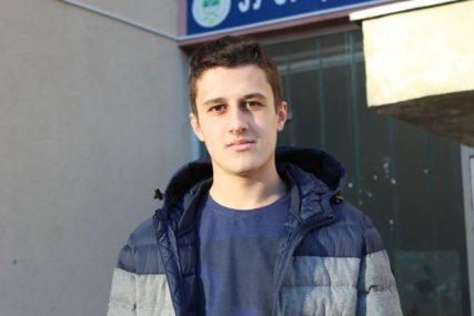 SLAVKOVA POBJEDA Autistični dječak iz Rudog nakon tri godine borbe KREĆE U ŠKOLU