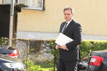 """GOVEDARICA O RASKIDU UGOVORA """"Možda se Dodik šalio kada je govorio da NIJE BILO GREŠKE"""""""