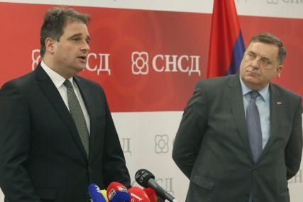 "Govedarica optužio Dodika ""Glasao je za Vens-Ovenov plan, sada BiH vodi u NATO"""