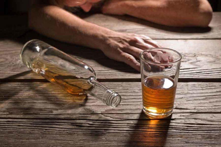 ZADRŽANI NA TRIJEŽNJENJU Policija zaustavila vozače sa 2,56 i 2,22 promila alkohola u krvi
