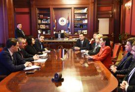 Višković sa novoimenovanim ambasadorima: Razvijati ekonomiju i privredu