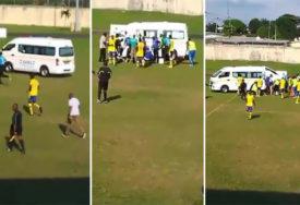 UŽASNA TRAGEDIJA Fudbaler preminuo na putu do bolnice, Hitna pomoć napravila propust (UZNEMIRUJUĆ VIDEO)