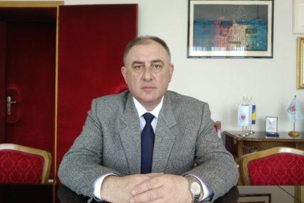 PRED PREDAJU MANDATA ZAPOŠLJAVA 31 RADNIKA Gradonačelnik Prijedora raspisao konkurs za prijem u Gradsku upravu