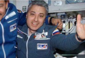 U SVEMIRU PROVEO 20 DANA Astronaut koji je odbio raditi za Putina tvrdi da Zemlja ima oblik KOFERA
