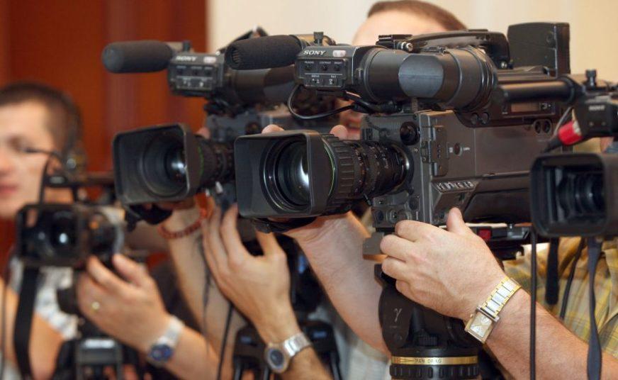 SITUACIJA NAJGORA U POSLJEDNJIH 10 GODINA Građani gube povjerenje u medije, napade na novinare smatraju opravdanim