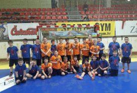 OKITILI SE MEDALJAMA NA VRUĆEM GOSTOVANJU Banjalučki mališani uspješni na rukometnom turniru u Zagrebu
