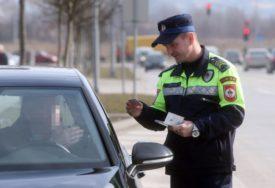 ODUZETO SEDAM VOZILA Policija za samo 11 dana kaznila 10.600 nesavjesnih vozača