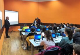 Počela besplatna škola programiranja za osnovce