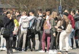 Poziv za upis u srednje škole u Srbiji važi i za učenike devetog razreda iz Srpske