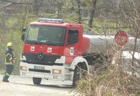 ČESTE INTERVENCIJE Vatrogascima pune ruke posla zbog paljenja niskog rastinja