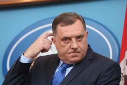 """""""JEDAN U NIZU BEZVEZNIH SASTANAKA"""" Dodik nije optimista da će biti postignut dogovor oko Savjeta ministara"""