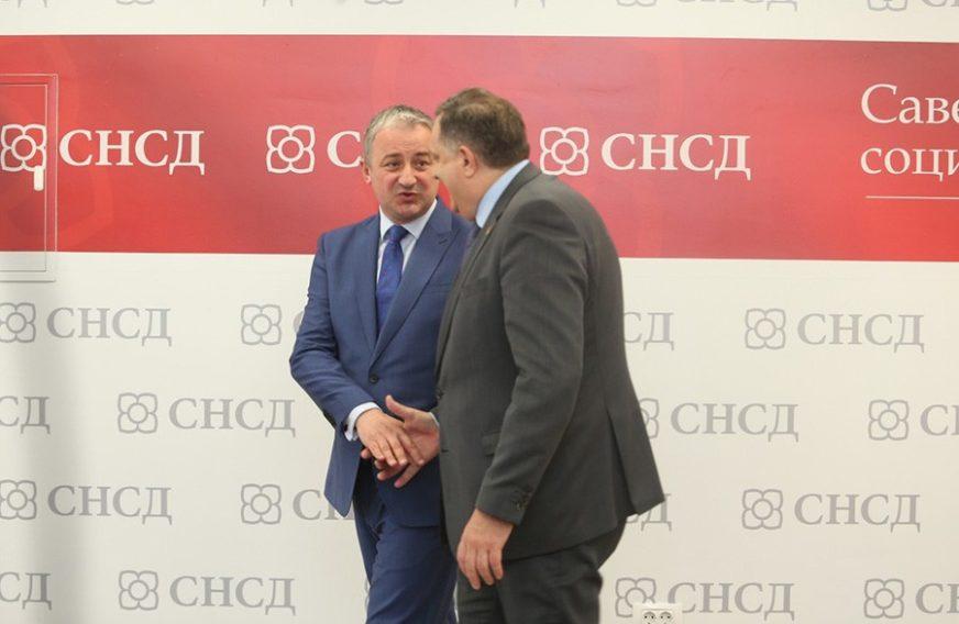 NIŠTA OD DOGOVORA Dodik ponudio Borenoviću FUNKCIJU u Savjetu ministara i dobio OVAKAV ODGOVOR