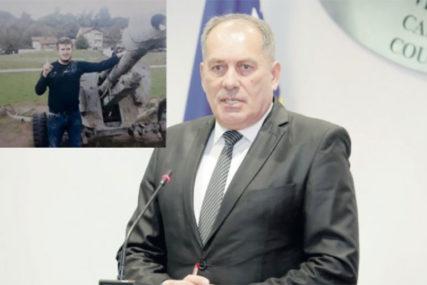 DVOSTRUKI ARŠINI Dautbašić tužio Mektića zbog zloupotrebe položaja
