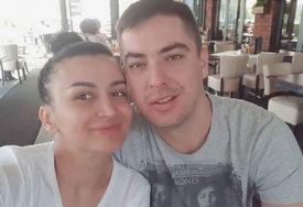 SRAMOTA Andreanu Čekić vjerenik PLJUNUO nasred kluba i URLAO NA NJU