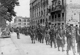 JEDNI SE ODREKLI SLAVE, DRUGI KRALI ĆEBAD O čemu su pisale novine u Banjaluci prije 70 godina