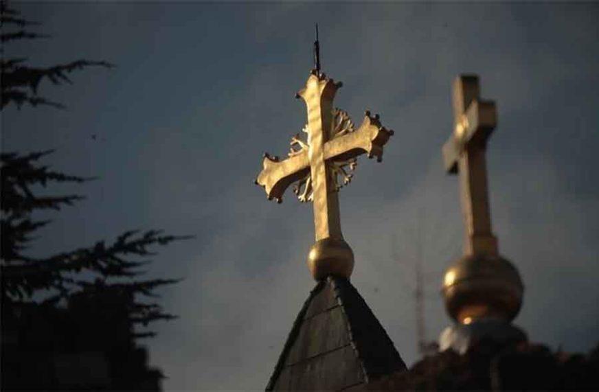 VELIKI BROJ MLADIH NA BOGOSLUŽENJIMA Proslava najradosnijeg hrišćanskog praznika