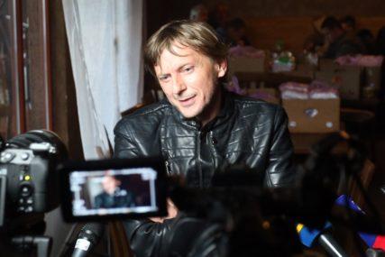 """""""Moje dijete je moralo da jede"""" Glumac Jovo Maksić progovorio o teškom periodu, radio je na gradilištu kako bi prehranio porodicu"""