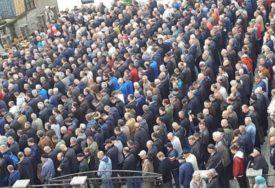 NE PAMTE TAKAV ISPRAĆAJ Hiljade ljudi na sahrani tragično stradale radnice škole