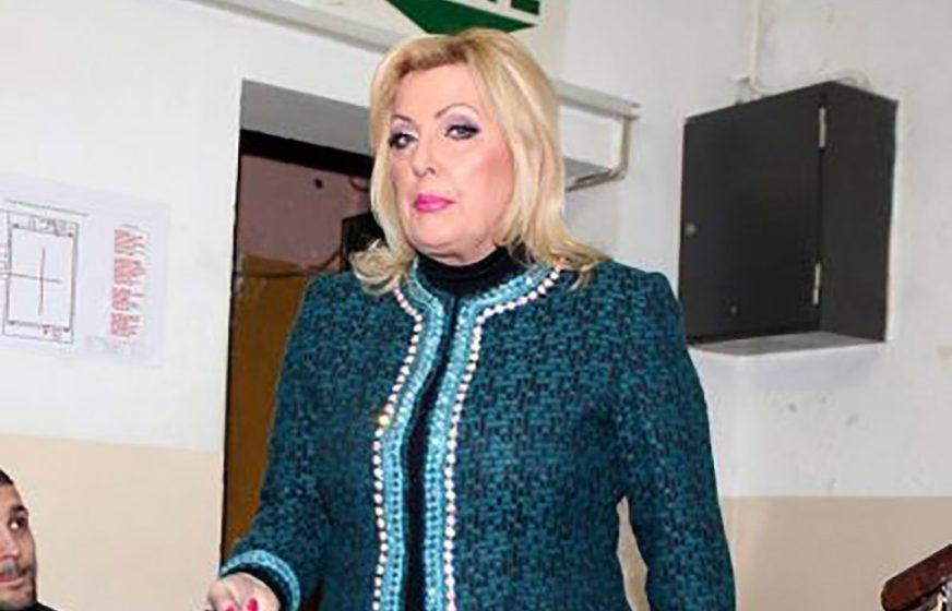 LUDO ZALJUBLJENA Potez Snežane Đurišić ostavio BEZ TEKSTA, spremna je na sve zbog NEVJERNOG DEČKA