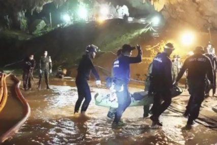IGRA SUDBINE Bio je jedan od heroja koji su SPASLI DJEČAKE iz pećine, a onda se i sam našao ZAROBLJEN U TUNELU