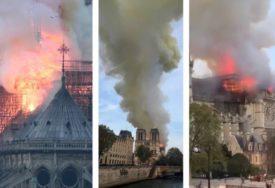 """""""NAJGORE JE IZBJEGNUTO"""" Vatrogasci su nakon devet sati borbe uspjeli da spasu gotsku katedralu staru 850 godina"""