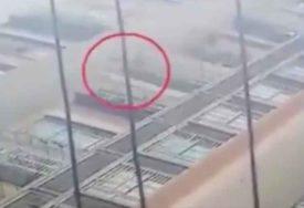 ČUDO OD DJETETA ILI PUKA SREĆA Djevojčica (6) pala sa 26. sprata zgrade i SLOMILA RUKU