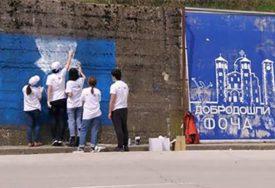 PUTUJUĆA ŠKOLA MIRA Srednjoškolci u Foči naslikali dva murala sa bitnim porukama