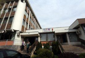"""LJEKARI SAVJETUJU PENZIONERE"""" Fond PIO RS aktivirao kol-centar"""